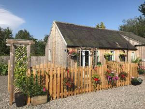 speyside whisky day and half day tours, courtyard bothy